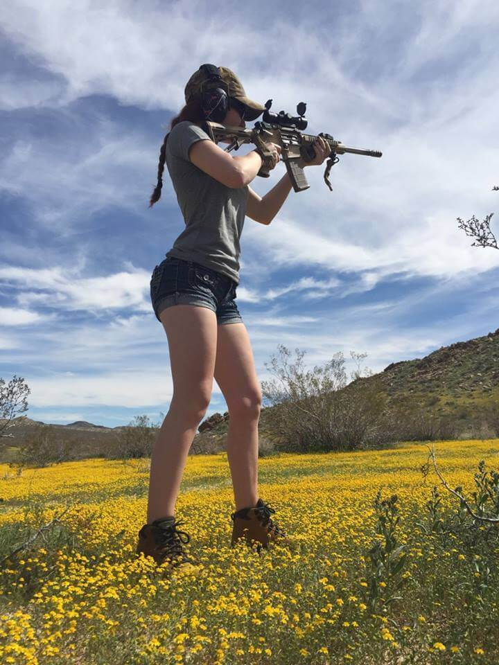 chicks-with-guns-12