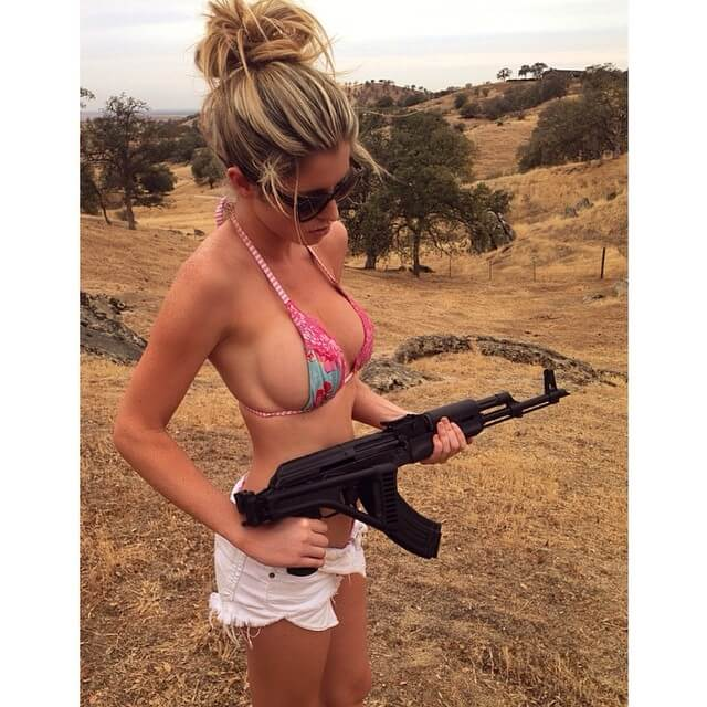 chicks-with-guns-30