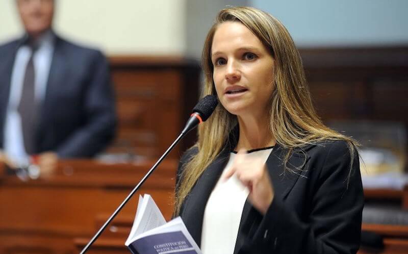 sexiest-female-politicians-17